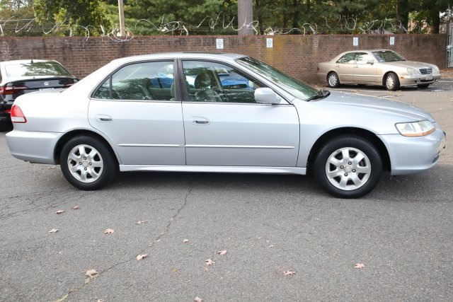 Pre-Owned 2002 Honda Accord