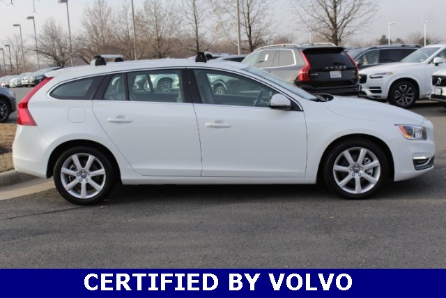 Certified Pre-Owned 2017 Volvo V60 T5 Platinum