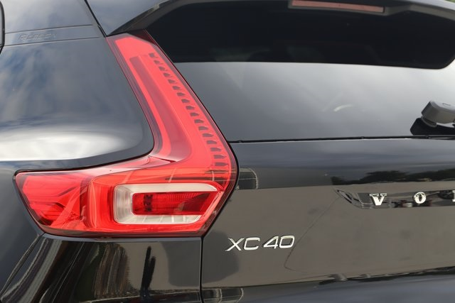New 2020 Volvo XC40 R-Design