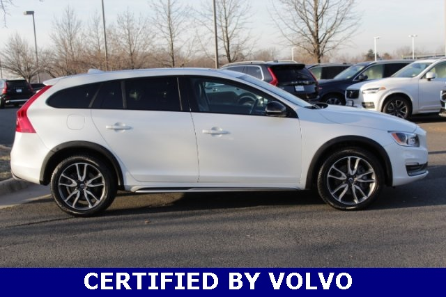 Certified Pre-Owned 2016 Volvo V60 Cross Country T5 Platinum