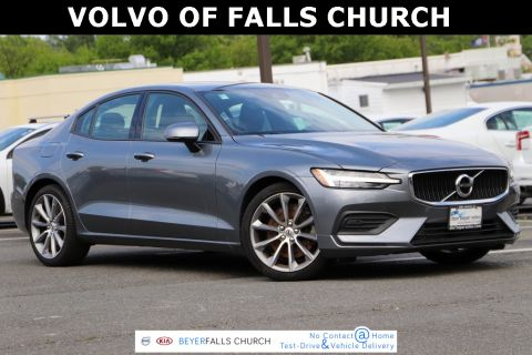 Pre-Owned 2019 Volvo S60 T6 Momentum With Navigation & AWD