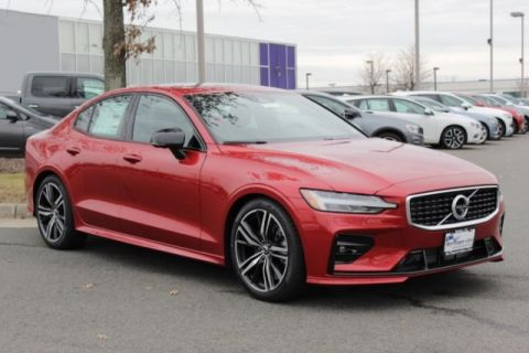 New 2019 Volvo S60 T6 R-Design
