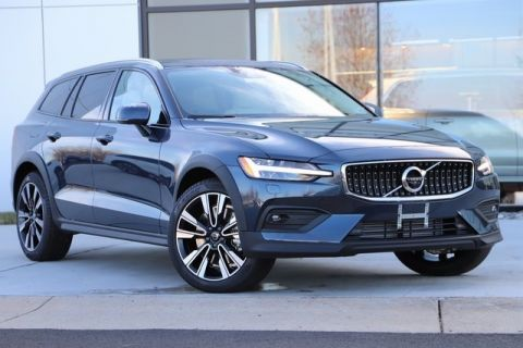New 2020 Volvo V60 Cross Country T5 With Navigation & AWD
