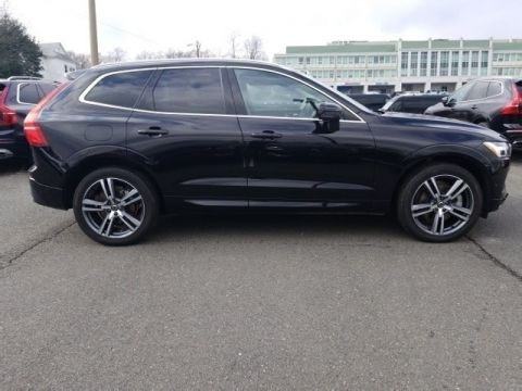 Pre-Owned 2018 Volvo XC60 T6 Momentum